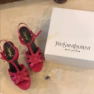 Yves Saint Laurent | Tribute Platform Heel
